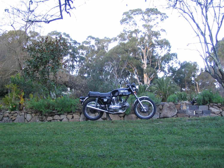 1972 Ducati 750 GT Cold ride in the hills R